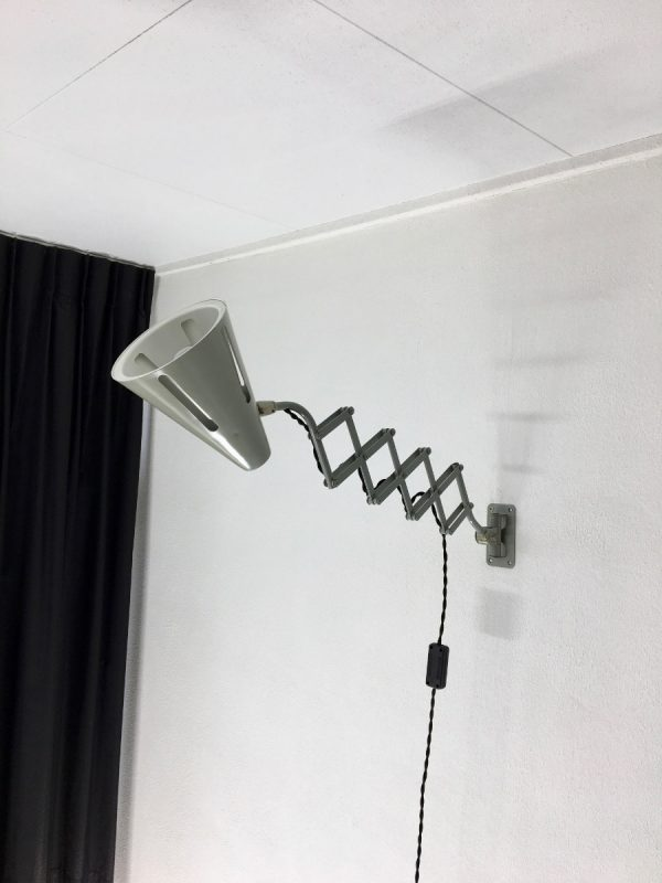 HALA Zeist Zonneserie scissor lamp - H. Busquet Dutch Design - 50s Metal wall sun light mid century